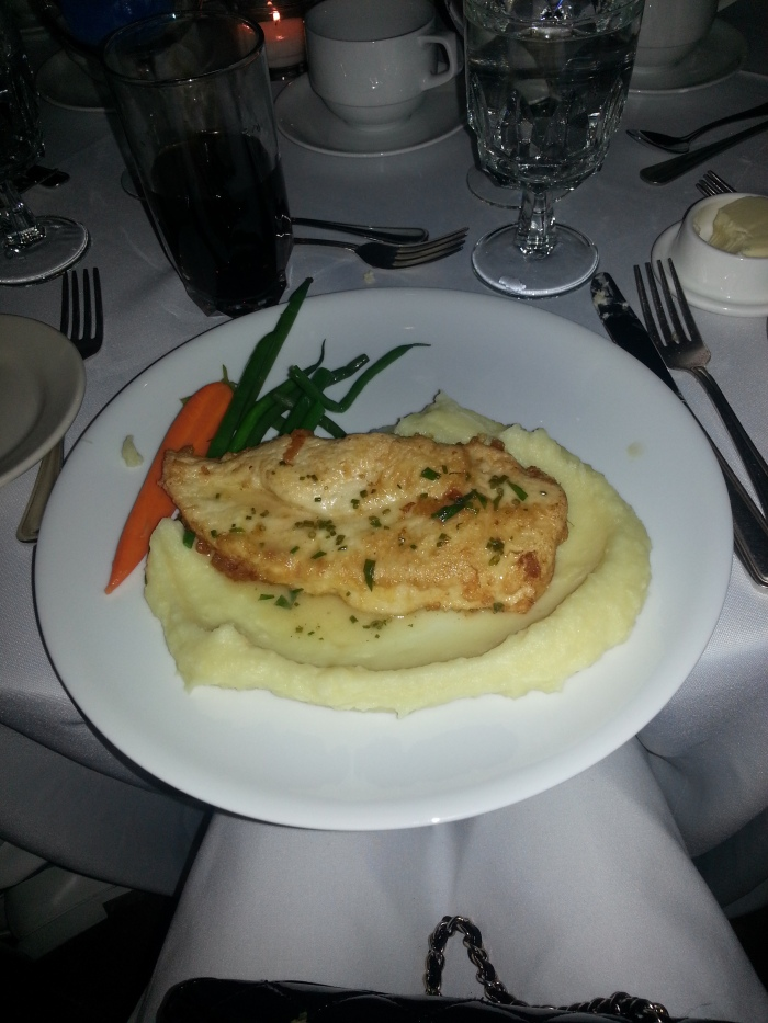 Chicken with Mashed Potatoes and Vegetables